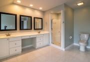 Comment installer une cabine de douche sur un receveur ?