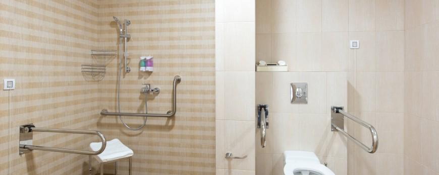 Quelles sont les normes à respecter pour une salle de bain PMR ?